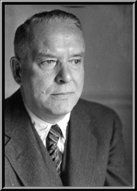 Wallace Stevens Reading His Poems